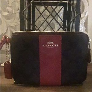 Signature canvas COACH Brown/Red leather wristlet